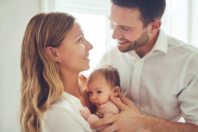 איך יצאה לנו בת? נו, ברור, מיד לאחר התשמיש שכבתי על צד שמאל. זה ידוע (צילום: Shutterstock)