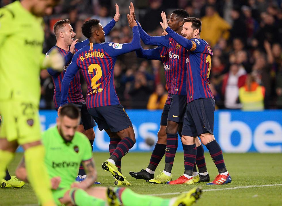 ברצלונה נושמת לרווחה (צילום: AFP)