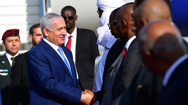 קבלת הפנים לראש הממשלה בנימין נתניהו במסגרת ביקורו בצ'אד (צילום: קובי גדעון, לע