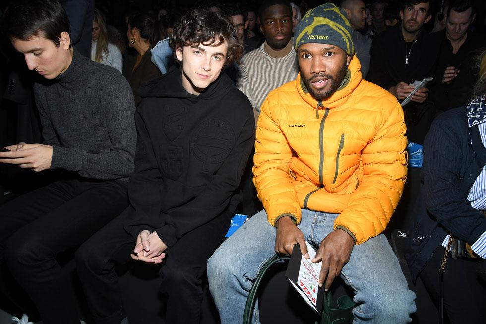 הידידות הקרובה והמתמשכת בין הזמר פרנק אושן והשחקן טימותי שאלמה זכתה לתיעוד בשבוע האופנה בפריז, כשהשניים הגיעו יחד לתצוגה המדוברת של לואי ויטון (צילום: Pascal Le Segretain/GettyimagesIL)