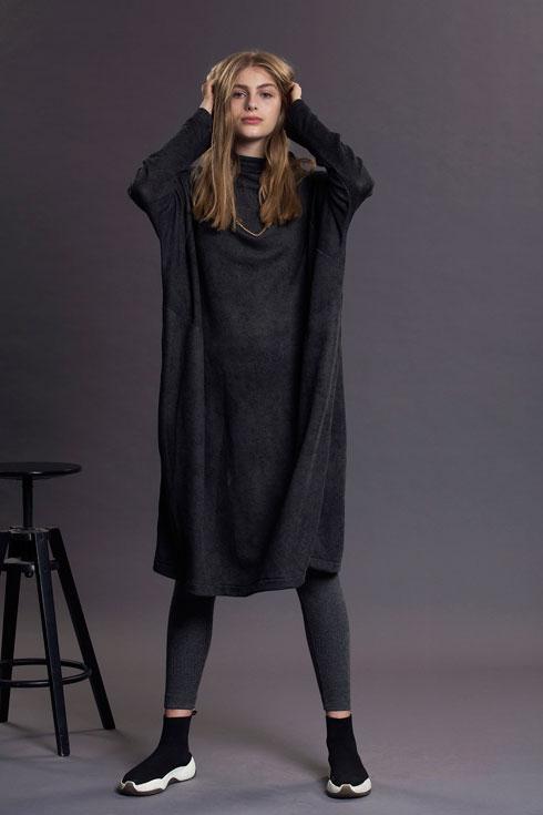 מכירת אופנה בפרדס חנה. כל קולקציות החורף ב-400-100 שקל (צילום: מיכאל טופיול)