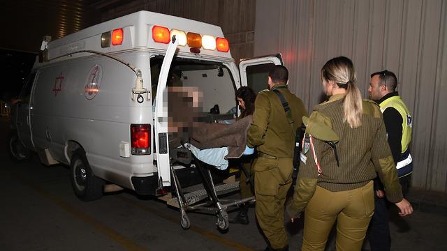 Эвакуация офицера ЦАХАЛа, раненного в инциденте у границы. Фото: Герцль Йосеф (Photo: Harel Yosef)