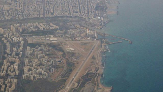 שדה דב בתל אביב במבט מלמעלה (צילום: איתי בלומנטל)