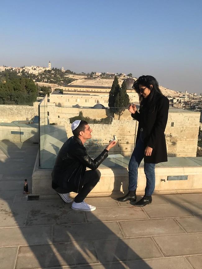 יאללה חתונה. מגי אזרזר וקותי סבג  (צילום: נשמות טובות)