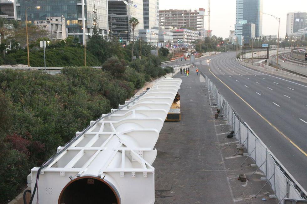 Строительство моста на шоссе Аялон. Фото: Моти Кимхи