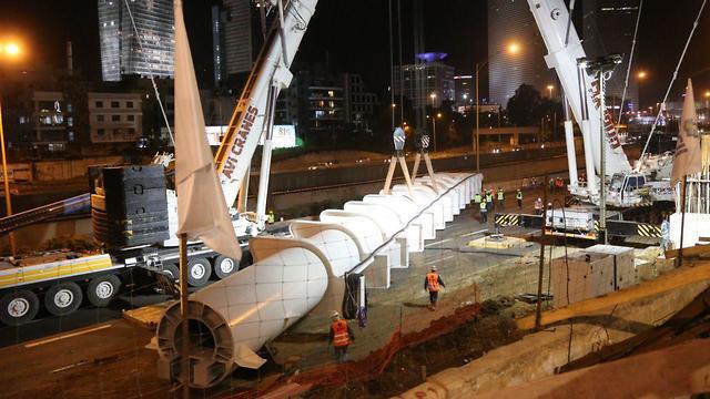 תחילת בניית גשר יהודית וסגירת איילון (צילום: מוטי קמחי)