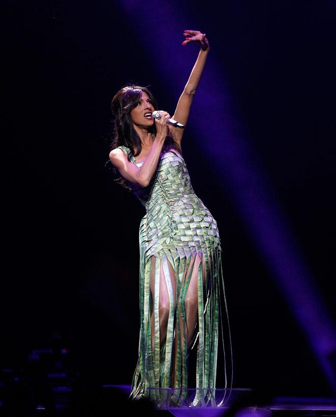 דנה אינטרנשיונל בשמלה של גוטייה באירוויזיון 2011 (צילום: AP)