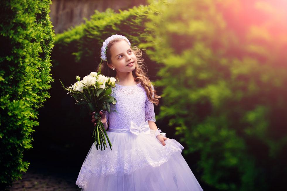 מה היא באמת לומדת על החיים שלה ועל המעבר לבגרות מבוק בת המצווה? (צילום: Shutterstock)