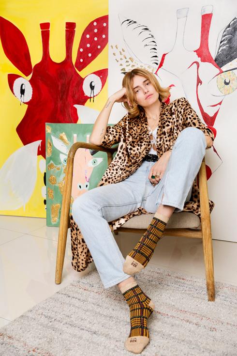 """בארון של הדוגמנית אניה מרטירוסוב: """"כבר אין בי צימאון לאישור מבחוץ"""". לחצו על התמונה לכתבה המלאה (צילום: ענבל מרמרי)"""