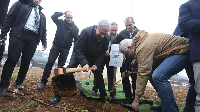 סיור ראש הממשלה בנימין נתניהו בנתיב האבות שבגוש עציון  (צילום: מארק ישראל סלם)