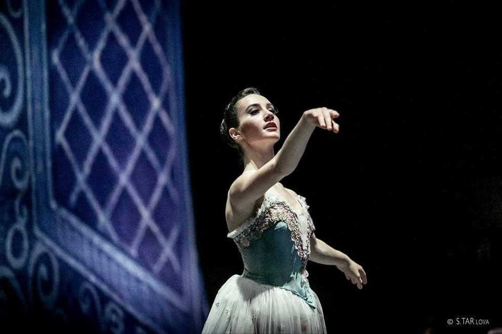Анаэль Затейкина на сцене. Фото: Светлана Тарлова