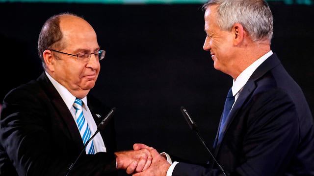Gantz with political partner and fellow former army chief Moshe Ya'alon (Photo: AFP)