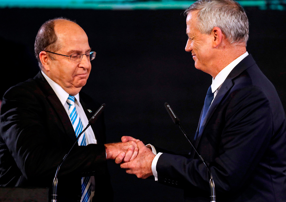 Israel Resilience Party head Benny Gantz, right, with head of Telem Party Moshe Ya'alon (Photo: AFP)