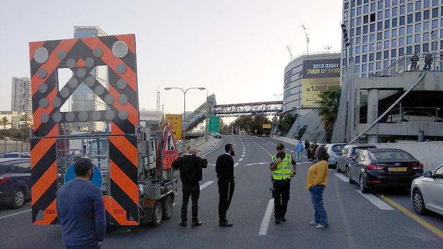 הפקקים בכביש אילון עקב מחאת העדה האתיופית נגד אלימות המשטרה (צילום: אהרון אביד)