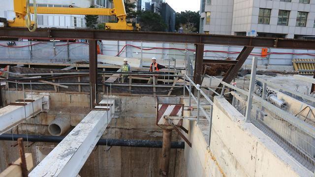 Construction of the light rail in Tel Aviv (Photo: Motti Kimchi)