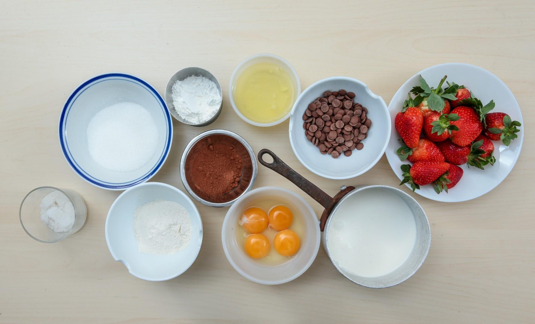 מתכון לרולדת תותים (צילום: ירון ברנר)