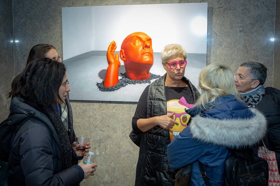 צילי צ'רני בגלריה. (צילום : 2019 ZAZ10TS  Zdravko Cota)