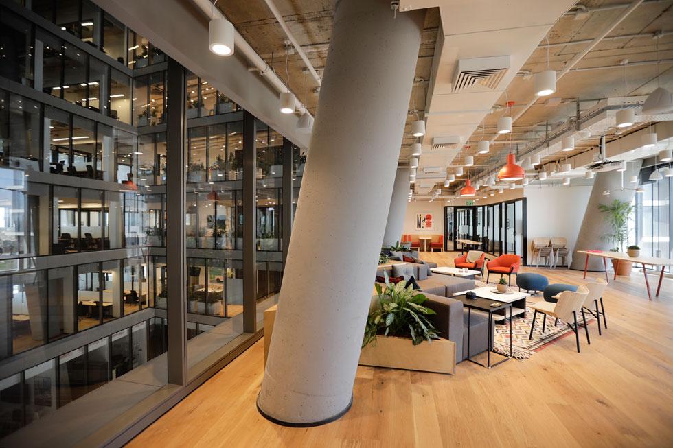 WeWork תופסת כשליש מבניין ToHa החדש - כ-2,900 עמדות עבודה במשרדים בגדלים שונים (צילום: איל מרילוס)