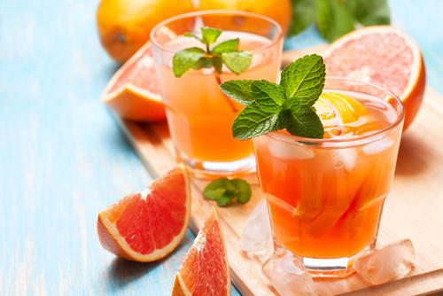 Коктейль из грейпфрута освежает. Фото: shutterstock
