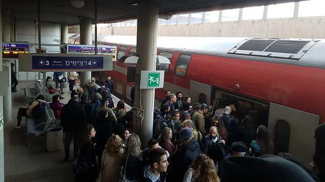 Давка на железнодорожной станции в Ришон ле-Ционе