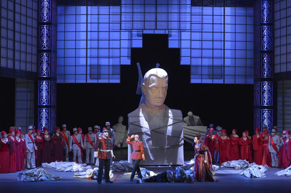 "Сцена из оперы ""Бал-маскарад"". Фото: Йоси Цвекер"