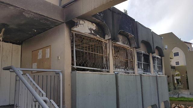 בניין המועצה השרוף (צילום: אסף קמר)