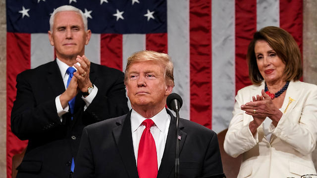 US President Donald Trump delivers the State of the Union address, alongside Vice President Mike Pence and Speaker of the House Nancy Pelosi