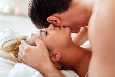 """""""לפעמים אני עושה איתו סקס, אבל המוח שלי עסוק במשהו אחר לגמרי"""" (צילום: Shutterstock)"""