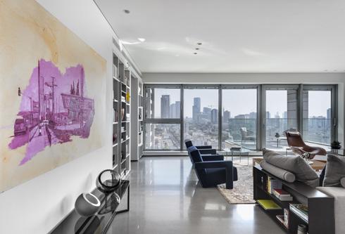 ריהוט אייקוני בשילוב חדשני יוצר אווירה אורבנית ועדכנית בדירת אספנים בתל אביב (צילום: עודד סמדר)
