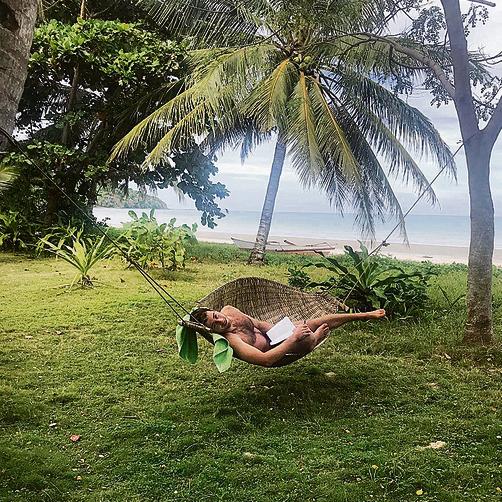 על הערסל בין עצי הקוקוס בפלוואן