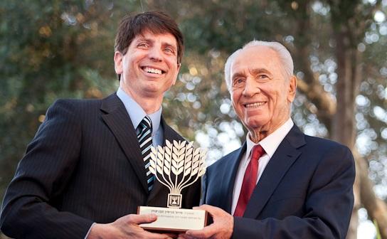 Prof. Ben Corn with late President Shimon Peres (Photo: Courtesy)
