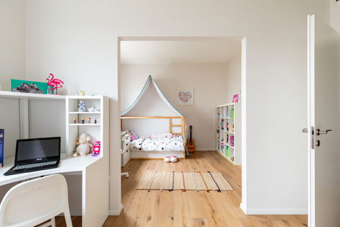 הפתח הרחב בין חדרי הבנות (צילום: אורית ארנון)