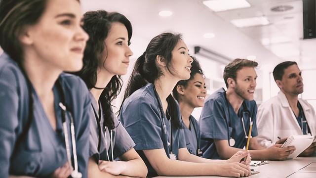 סטודנטים לרפואה (צילום: shutterstock)