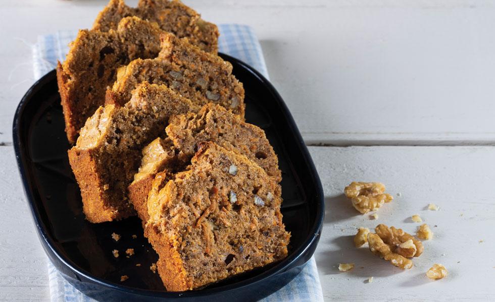עוגת גזר ללא סוכר  (צילום: בועז לביא, סגנון: נעה קנריק)