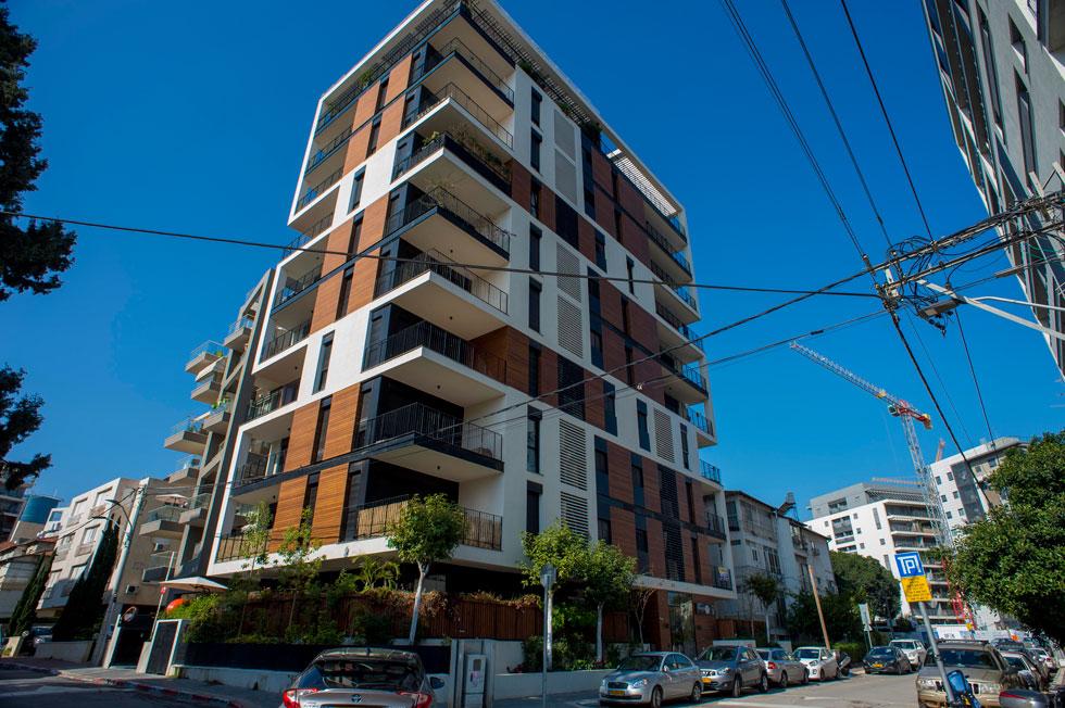 כל שיטוט ברמת גן מציג את העתיד של ת''א: קפיצה לגובה של בנייני המגורים, והשאלה הגדולה היא אם התשתיות ערוכות לכך - ומה זה עושה לאופי של העיר (צילום: יובל חן)