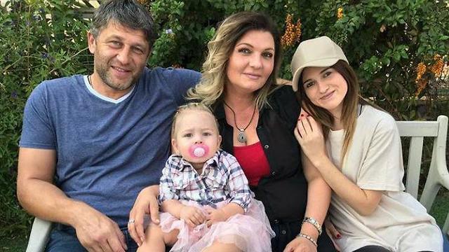 יורי פודובני, בת זוגו סיגלית קרן ובתם מליסה ()