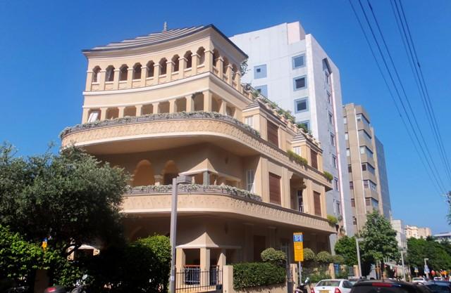 Сейчас эта шикарная вилла в Тель-Авиве принадлежит шведскому миллиардеру. Фото: Леон Левитас