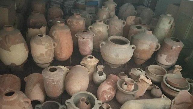 כדים שנמצאו במוזיאון (צילום: אוניברסיטת חיפה)