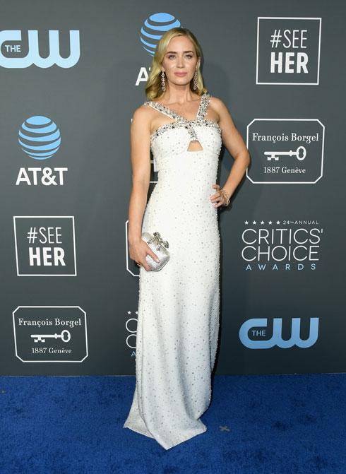 מדליית כסף: שמלה בגזרה פשוטה ומחשוף מרהיב של פראדה זיכו את השחקנית אמילי בלאנט גם הפעם במקום השני  (צילום: Jon Kopaloff/GettyimagesIL)
