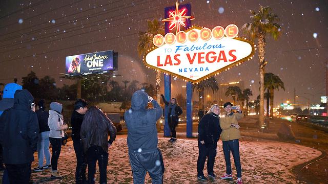 שלג בלאס וגאס (צילום: EPA LVNB / Sam Morris via european pressphoto agency)