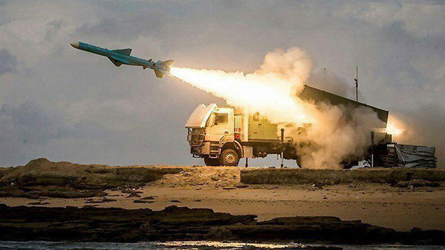 Iranian missile tests (Photo: IRNA)
