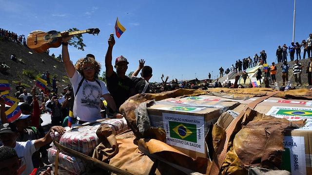 ונצואלה עימותים שיירת סיוע גבול ברזיל ונצואלה (צילום: AFP)