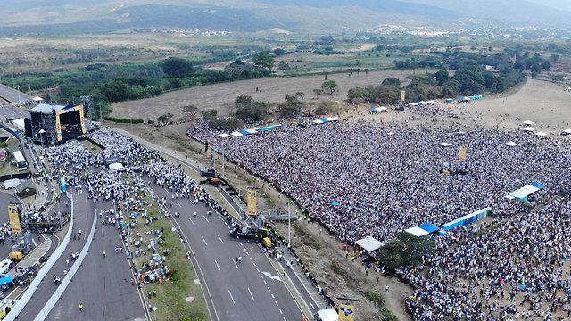 קולומביה ליד גבול ונצואלה מופע קונצרט סיוע ל אזרחי ונצואלה (צילום: AFP)