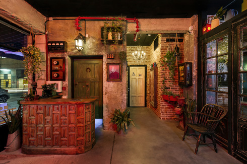 דלפק הכניסה (צילום: מושי גיטליס)