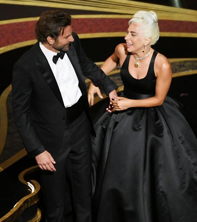 מכחישים את הרומן. ליידי גאגא ובראדלי קופר (צילום: Gettyimages)