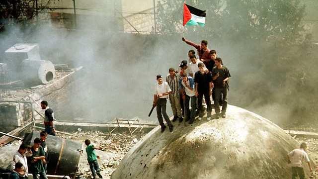 Palestinians seize control of Joseph's Tomb, October 1, 2000