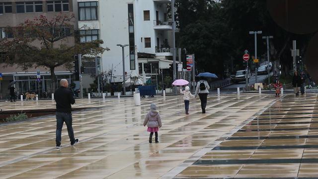 Rainfall in Tel Aviv (Photo: Motti Kimchi)