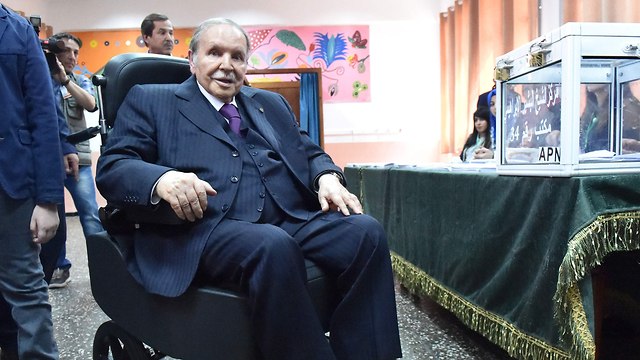 נשיא אלג'יריה עבד אל-עזיז בוטפליקה (צילום: AFP)