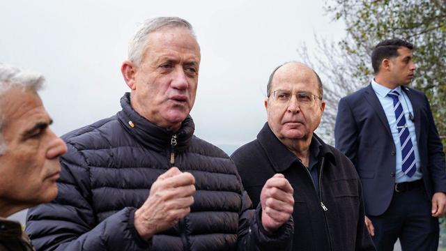 Лидеры блока Кахоль-Лаван на Голанских высотах. Фото: Эфи Шарир