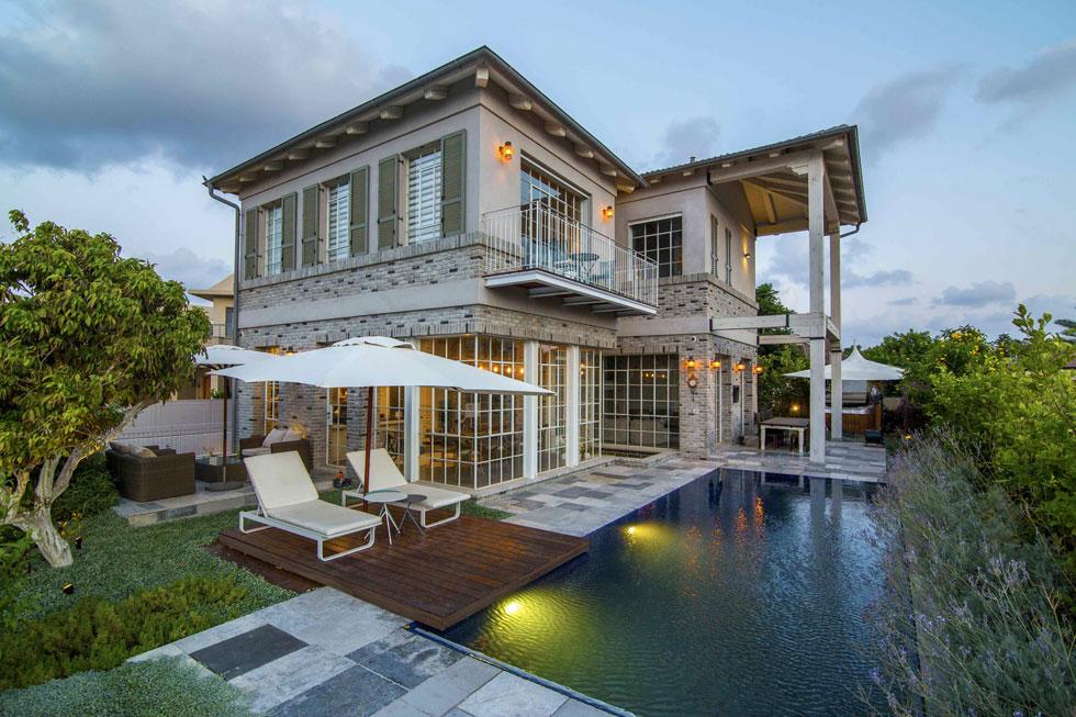 """""""קיבלתי הזדמנות לעצב בית בסגנון טוסקני וזה שינה לי את כל ההשקפה"""" (צילום: עידן גור)"""